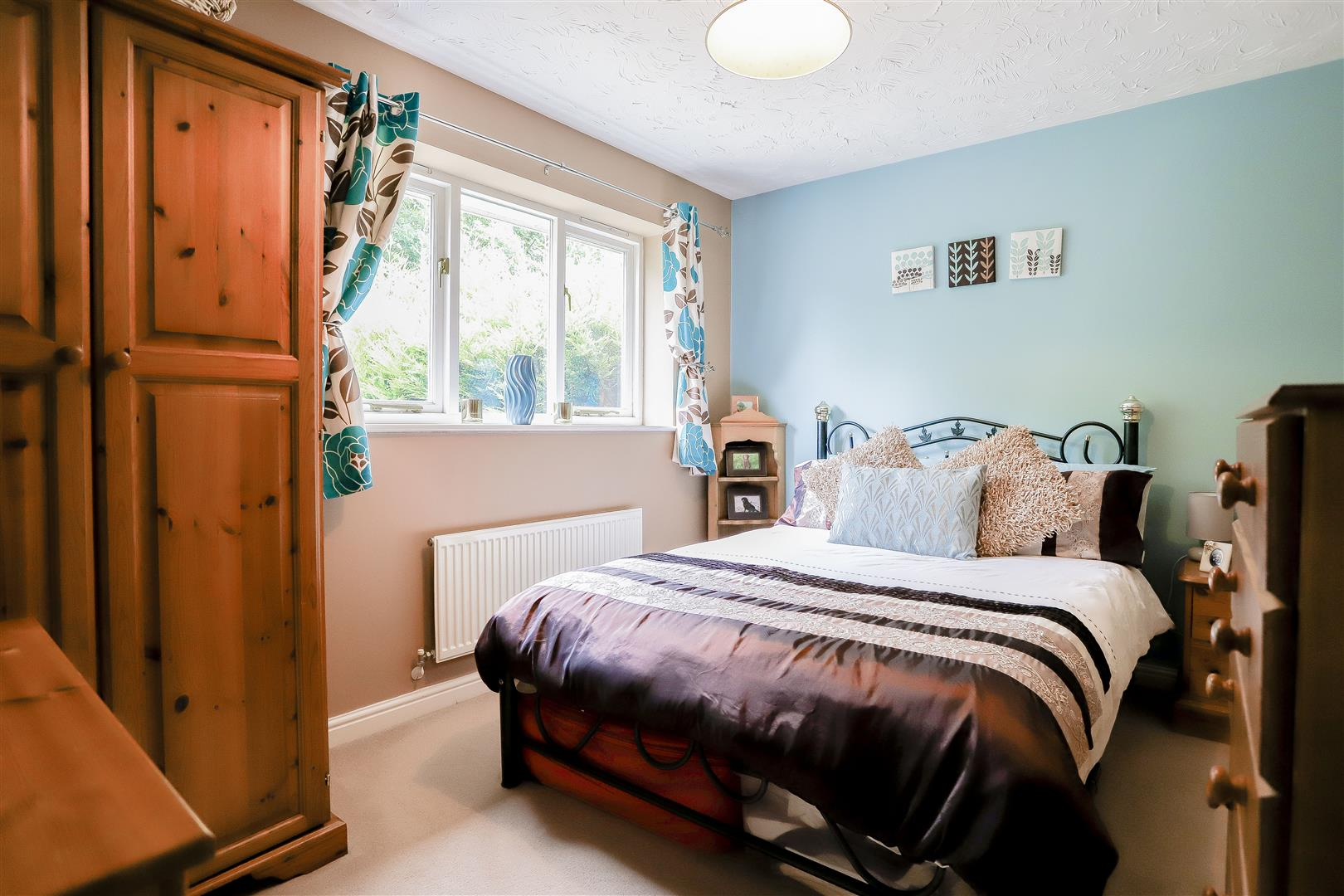 3 Bedroom Detached House For Sale - 18.jpg